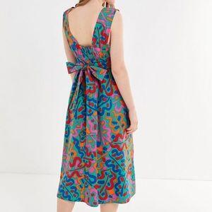 UO Zoey Abstract Print Tie-Back Midi Dress